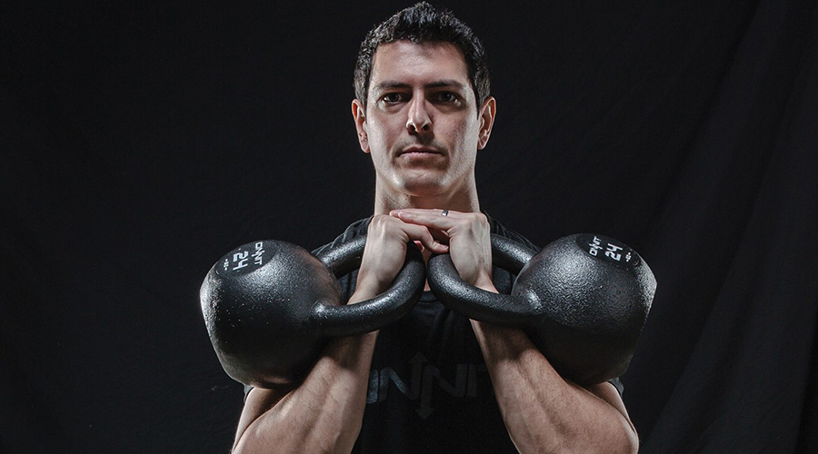 Double kettlebells have many advantages.